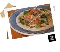 自家製ソーセージと小松菜のペペロンチーノ